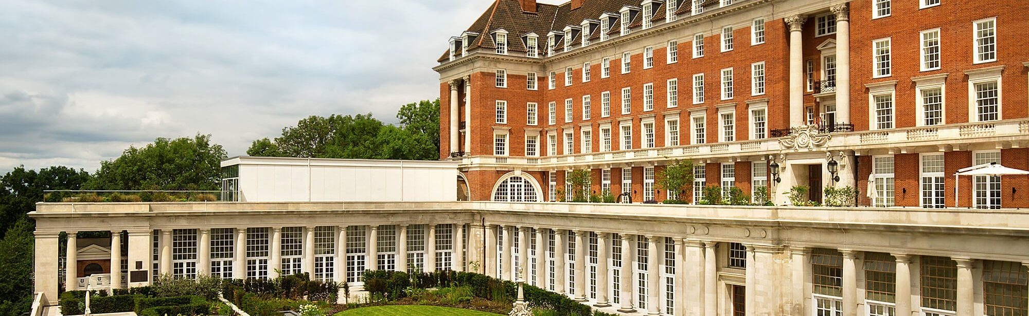 Refurbishing and recreating 850 Heritage Sash Windows for the Star and Garter's £50m restoration project.